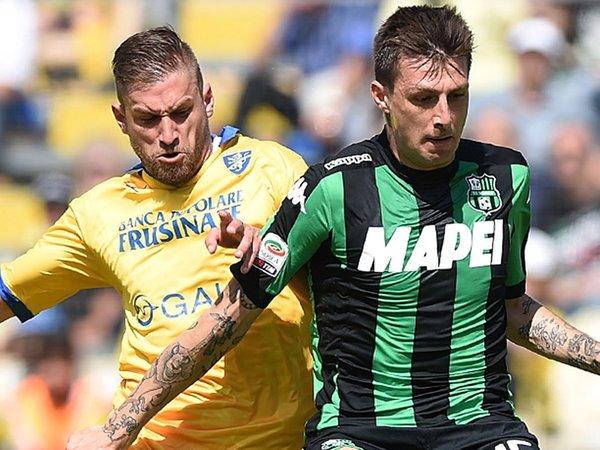Acerbi e Dionisi durante il match. Fonte: LaPresse.