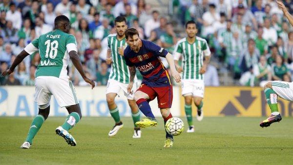 Messi riceve palla. Fonte: fcbarcelona.es