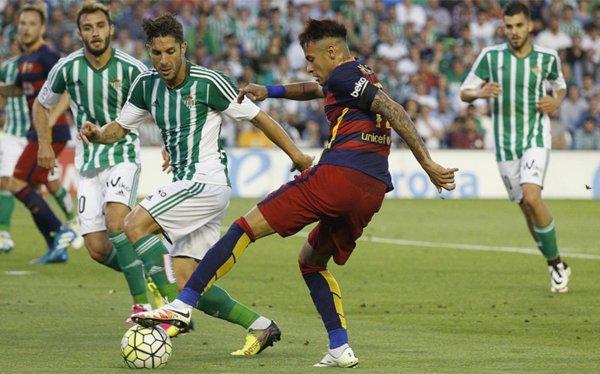 Neymar con un gioco di suola. Fonte: fcbarcelona.es