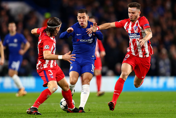 Hazard es parado por Filipe y Saúl. Foto: Getty Images