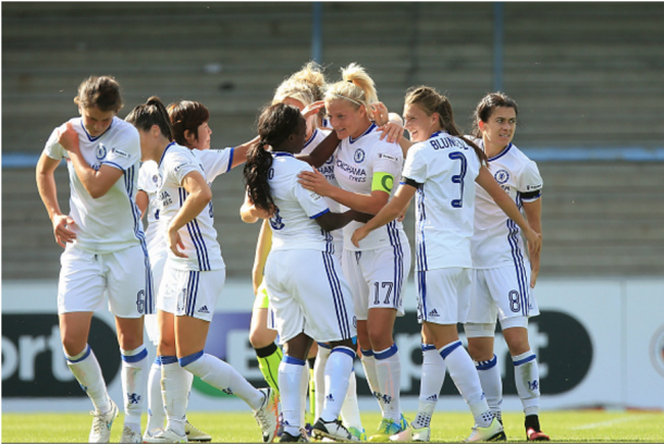Katie Chapman celebrates her opener for Chelsea | Photo: Getty Images