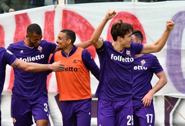 Chiesa comemora o segundo da partida no Franchi (Foto: Divulgação/ACF Fiorentina)