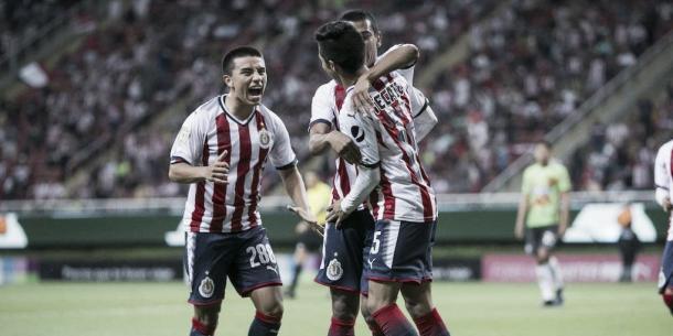 Chivas remonta y gana a Juárez en Copa Mx