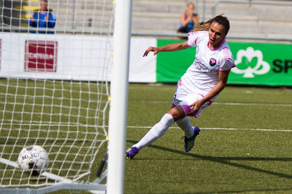 Can Marta keep up her goal-a-game form to keep Rosengård top? (Photo: JW Sports)