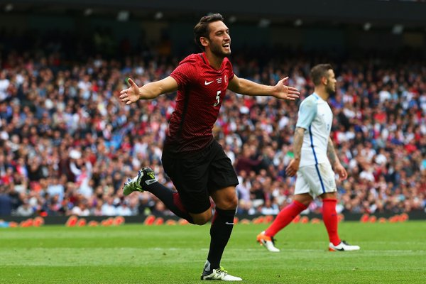 Calhanoglu celebrates the equaliser for Turkey | Photo: Getty