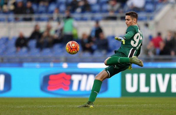 Meret con la maglia dell'Udinese. Fonte: http://www.contra-ataque.it