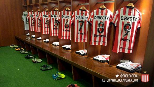 Las camisetas del 'Pincha' ya se encuentran listas a la espera del encuentro en Córdoba. | Foto: Estudiantes Oficial