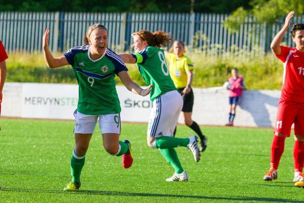 Simone Magill celebrates her record-breaking goal. (Photo: IFA)