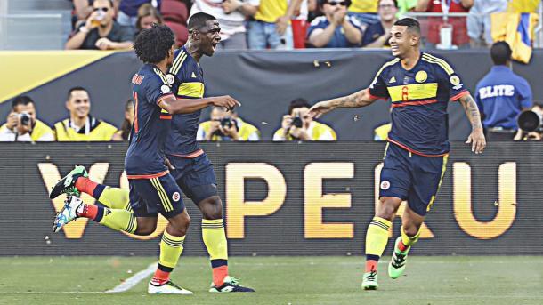 Gioia di Zapata dopo il primo gol. (fonte immagine: Twitter @SportsCenter)