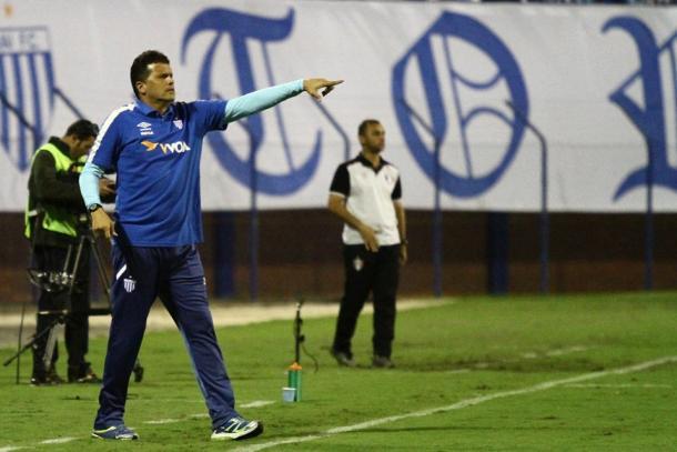 Claudinei terá mais desafios para manter o time na elite (Foto: Jamira Furlani/Avaí FC)