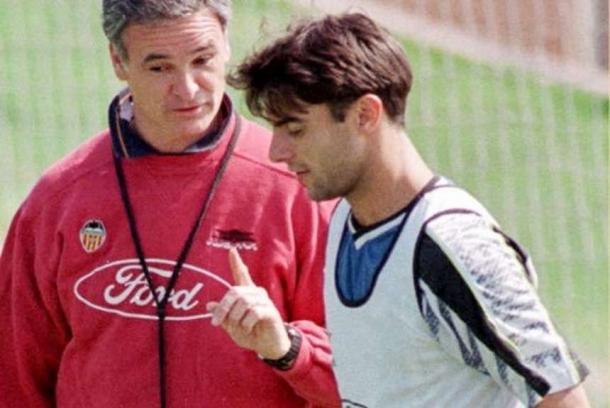 Ranieri instruye a López (foto:ole)
