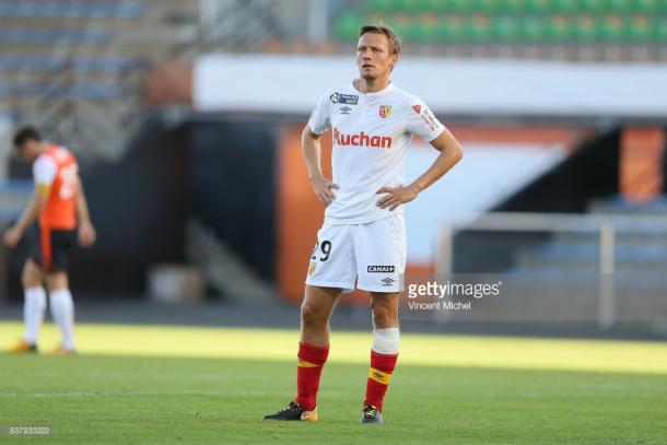 Clément Chantôme looks dejected as RC Lens lose 3-2 to Lorient. Source | Getty Images.