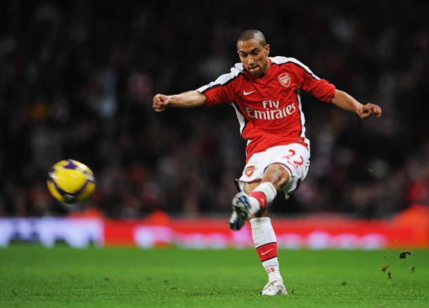 Clichy foi o substituto de Ashley Cole na lateral-esquerda do Arsenal (Foto: Clive Mason/Getty Images)