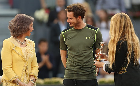 Murray receives the title in Madrid (Getty/Clive Brunskill)