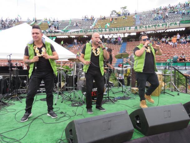 Grupos musicales en el estadio - Foto: @nacionaloficial