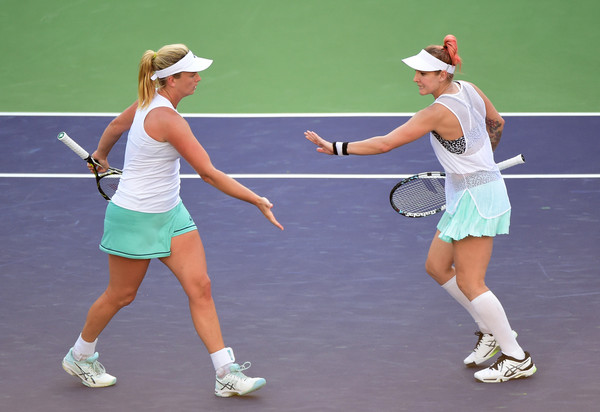 Vandeweghe and Mattek-Sands give each other encouragement./Photo: Harry How/Getty Images