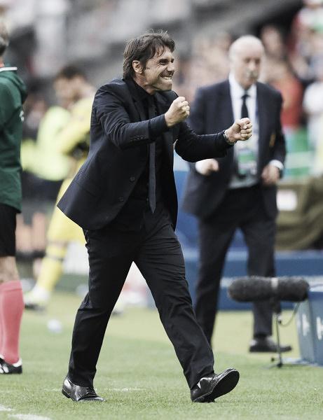 Conte celebra a vitória da Itália sobre a Espanha (Foto: Matthias Hangst/Getty Images)