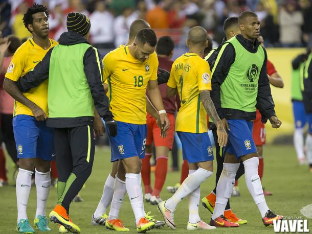 Brazil walking out of Gillette Stadium after their 1-0 defeat to Peru on Sunday. The failure to beat Los Incas got them eliminated from the tournament. Photo provided by VAVEL.