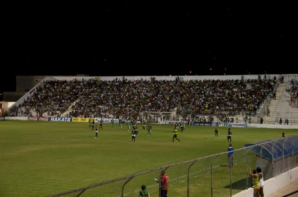 Estádio promete receber bom público nesta noite