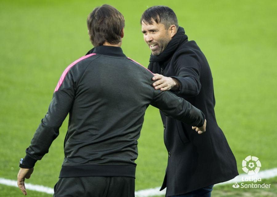 Coudet y Lopetegui se saludan antes del comienzo del partido | Imagen: LaLiga