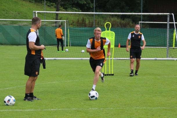 Clackstone has enjoyed training with the first team (photo : Twitter / Hull City)