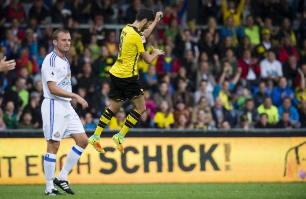Above: Nuri Sahin celebrating his goal in Sunderland's 1-1 draw with Borussia Dortmund | Photo: Twitter