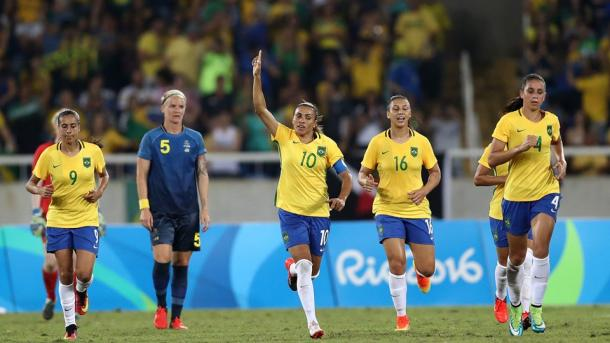 Marta waves to the fans after her penalty conversion | Source: @FIFAWWC