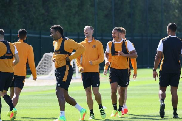 There's still plenty of smiles at the training ground (photo : Twitter / Hull City)