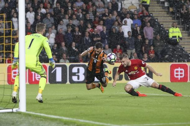 Shaw in action for United against Hull last weekend | Photo: Getty
