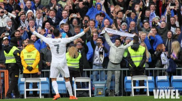 Cristiano celebrando uno de sus tantos con la afición. Vía: Adrián Ferro VAVEL