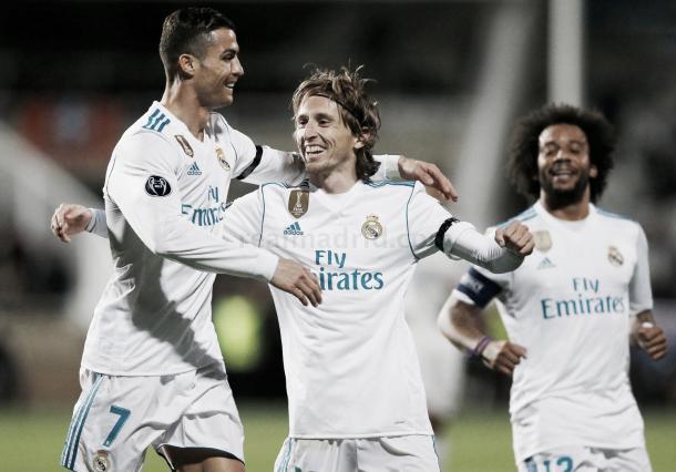 Cristiano Rolando, Modric y Marcelo festejan en la goleada ante el Apoel. Foto: Real Madrid.