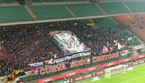 I tifosi del Crotone lo scorso anno in Coppa Italia, crotonenews.com
