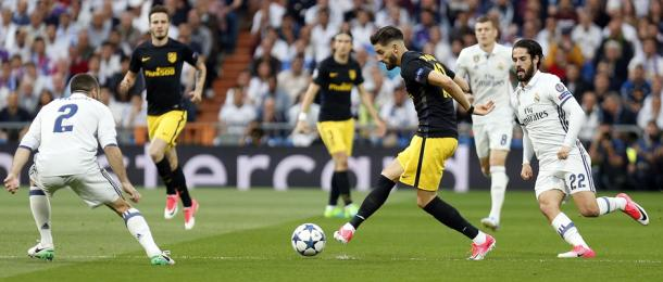 Carrasco durante la ida de semifinales de Champions contra el Real Madrid (3-0) Fuente: www.atleticodemadrid.com)
