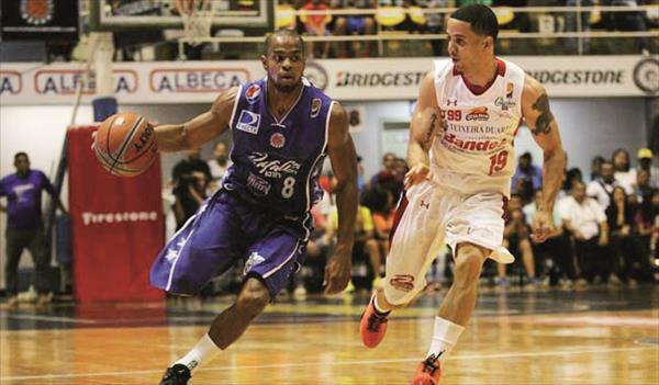 Cubillán y Guillént pelean por ser el mejor base | Foto: Prensa Trotamundos