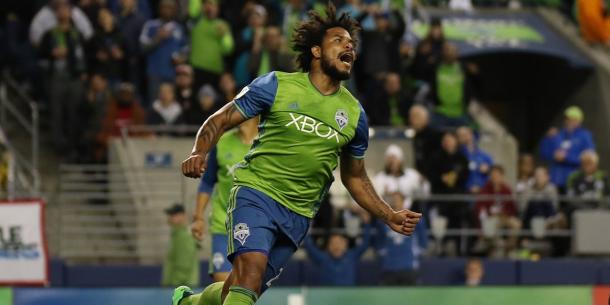 Román Torres voices his frustration after missing the target | Source: sounders.com