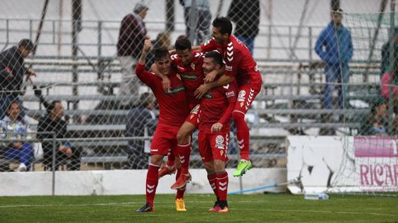 Los 16 goles de Curto y Guardiola han contribuido en buena medida a alcanzar las eliminatorias de ascenso   Foto: La Verdad
