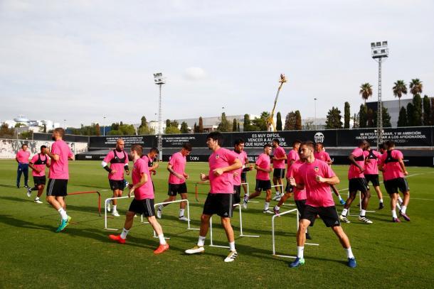 Los jugadores valencianistas preparan el choque del sábado | Foto: Valencia CF