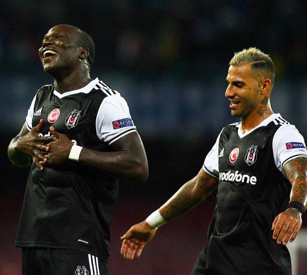 Aboubakar y Quaresma desbordan alegría tras el gol del camerunés | Foto: Beşiktaş JK