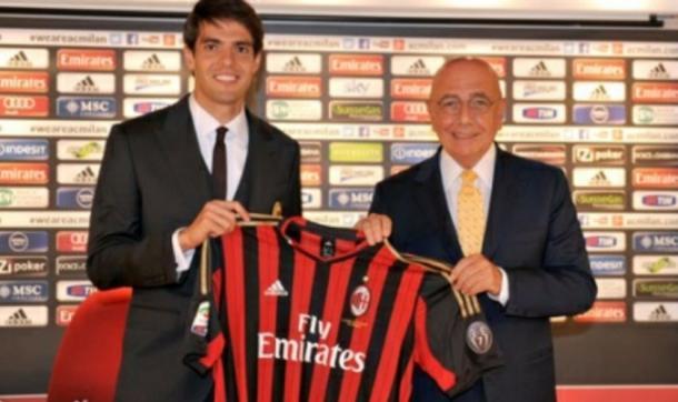 Adriano Galliani e Kakà al suo arrivo al Milan - twitter.com