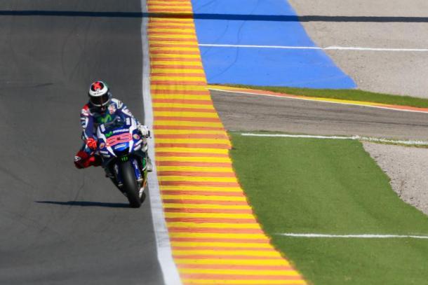 Jorge Lorenzo, conduce. Fonte foto: motogp.com