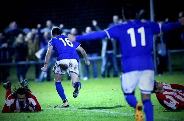 Viti, tras anotar ante el Sporting B   Foto: Real Oviedo