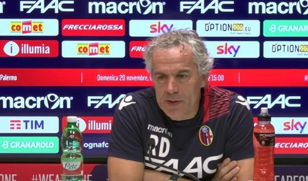 Donadoni in conferenza. Fonte foto: bolognafc.com
