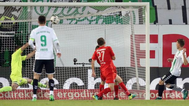 Rapp watches his opening goal go in. | Photo: Bundesliga