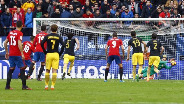 Oblak, protagonista por pararle un penalti a Roberto Torres. Foto Atlético de Madrid