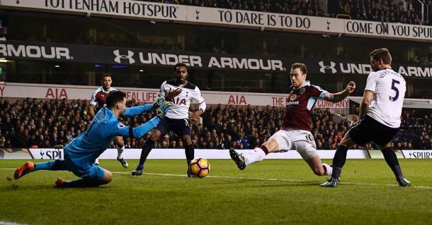 Il gol del momentaneo vantaggio siglato da Barnes. Fonte foto: Premierleague.com
