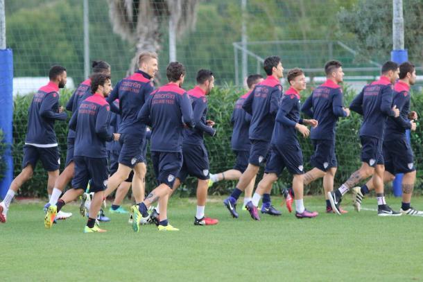 Il Cagliari durante uno degli allenamenti in settimana. | Fonte: twitter.com/CagliariCalcio