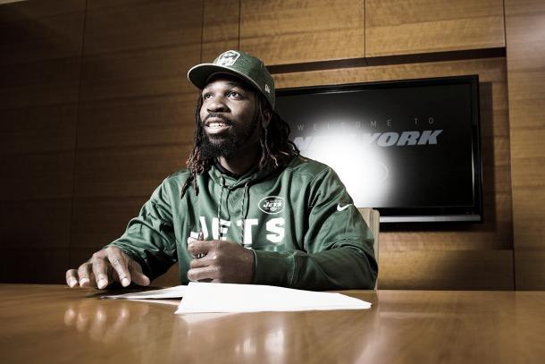 el LB C.J.Mosley firmó con los Jets (foto Jets.com)