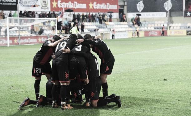 Los jugadores del Reus celebran el gol de la victoria ante el Sporting | Foto: LaLiga 123