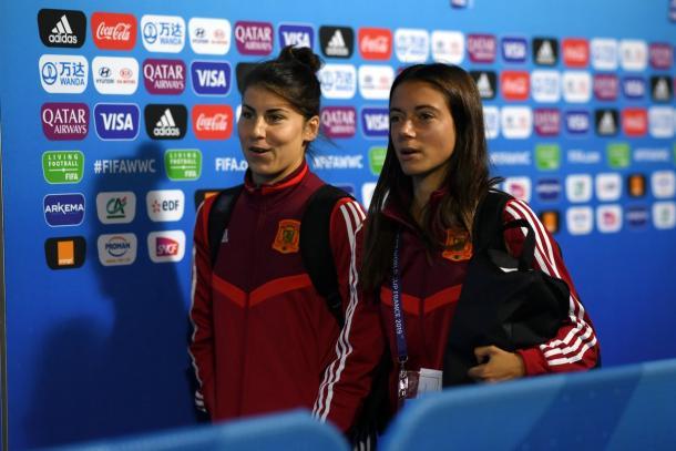 Lucía García, ante su oportunidad de brillar hoy. A su lado, en esta foto, Aitana Bonmatí, uno de los cambios fijos de Vilda en las segundas partes / Foto: FIFA