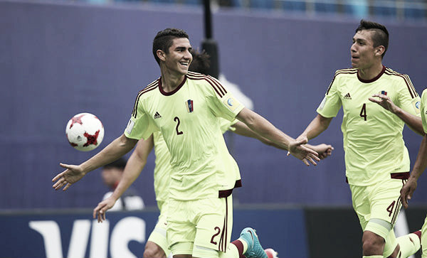 Velásquez junto a Ferraresi forman una pareja defensiva de calidad / Foto: Meridiano.